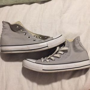 High top light grey converse